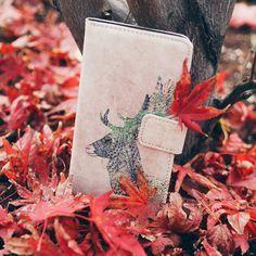 Der #Herbst ist in vollem Gange. Unser Case mit Hirsch-Motiv fühlt sich reglich wohl.  http://ift.tt/2ffPEIL  #kwmobile #autumn #herbst #atumnmood #instamood #leaf #samsung #iphone #tolino #kindle #htc #wiko #herbst