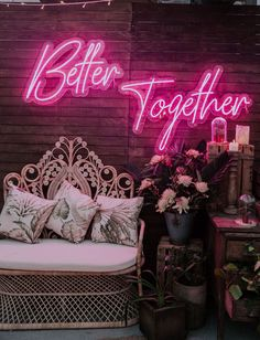 It's Electric: Couples are Going Nuts for Neon Wedding Signs – Green Wedding Shoes Neon Light Signs, Led Neon Signs, Neon Symbol, Objets Antiques, Neon Licht, Wedding Lounge, Tent Wedding, Party Wedding, Dream Wedding