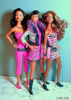 Pink & Black: So in Style Girls by Dawn Ellis, via Flickr - Trichelle, Grace, & Kara