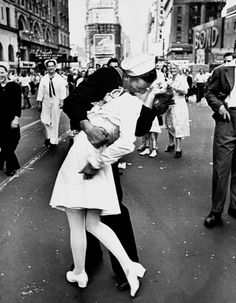 Google Image Result for http://www.navytimes.com/xml/news/2012/10/navy-famous-kiss-participants-weigh-in102012w/102012nt_kiss800.JPG