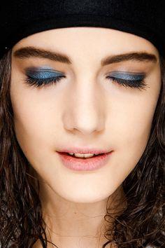 Azul metalizado en Sonia Rykiel.