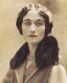 "Young Wallis Simpson (Bessie Wallis Warfield-Spencer-Simpson) (1896-1986) USA wife of King Edward VIII ""David"" (Edward Albert Christian George Andrew Patrick David) (1894-1972) Prince of Wales UK, Duke & Duchess of Windsor"