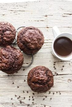 Big Double Chocolate Chip Muffins Recipes Big Double Chocolate Chip Muffins, moist and easy, a bakery style jumbo muffin recipe, extra chocolatey and so delicious. Double Chocolate Chip Muffins, Chocolate Chip Bread, Big Chocolate, Donuts, Jumbo Muffins, Homemade Muffins, Muffin Recipes, Donut Recipes, Brownie Recipes