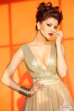 Urvashi Rautela is just too beautifull!!!!!!!!!!