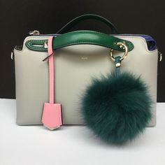 29.95$  Watch now - http://vitjh.justgood.pw/vig/item.php?t=ls9ebc24784 - New Summer Colors Fox Fur bag charm, fur pom pom keychain, fur ball keyring purs 29.95$