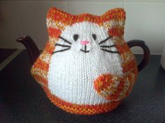 Hand knitted Cat tea cosy for 2 pint large tea pot