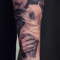 Dog Kiss #Tattoo by #TattooArtist @gunnar_v_tattoo_artist #gunnarv #dogtattoo #tattoos #chihuahua #chihuahuatattoo #tattooloversshop #tattooing
