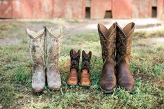 Althouse Photography // www.althousephotography.com #cowboyboots #maternityphotography #corralboots #justinboots #ariatboots #pregnancyannouncement
