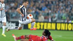 Toronto FC will announce Sebastian Giovinco as its newest player early next week, Sportsnet has learned.  TFC had been pursuing Giovinco, who is out of contract with Juventus at the end of the current Serie A season, for some time and recently tabled a contract offer to the Italian midfielder. http://www.sportsnet.ca/soccer/tfc-toronto-fc-sebastian-giovinco-mls-major-league-soccer-serie-a-juventus/