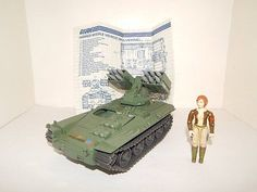 GI-Joe-1983-WOLVERINE-TANK-Complete-with-Cover-Girl-a1
