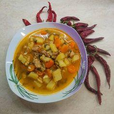 Gulyásleves házi csipetkével Thai Red Curry, Ethnic Recipes, Food, Essen, Meals, Yemek, Eten