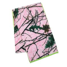 You will love this reversible scarf that has Pink Forest camo print on one side and a solid contrast color on the other side. The microfleece is double layered for extra warmth and comfort.