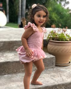 Happy birthday Elle, you are so adorable and I can not believe that you are 3 already! Cute Mixed Babies, Cute Babies, Beautiful Children, Beautiful Babies, The Ace Family Youtube, Ace Family Wallpaper, Austin And Catherine, Native American Baby, Catherine Paiz