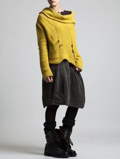 Comfortable casual weekend looks for Autumn Alice. - Bohem style Comfortable casual weekend looks for Autumn Alice. Look Fashion, Winter Fashion, Fashion Outfits, Womens Fashion, Weekend Fashion, Fashion Tights, Looks Style, Style Me, Diy Pullover