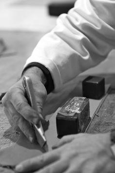 Découpe d'un patronage #MadeinFrance #CHAPAL © Pierre Etienne Vincent