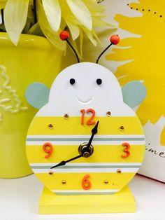 Bee Clock – #skiptomyroom www.skiptomyroom.com $14.50