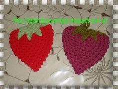 Frutilla agarradera crochet