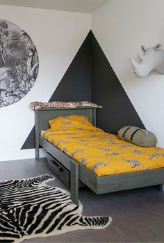 Industrial chic: vintage with a new look! - Own Home and Garden - A tough boy& room! Bedroom Wall Designs, Boys Bedroom Decor, Boys Room Design, Happy New Home, Kid Beds, Boy Room, Room Inspiration, Interior Design, Decoration