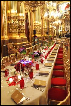 Table setting and mise en place for the 30th anniversary of Opera Garnier Arop in Paris Matteo Corvino design set #menu, #layout, #gold, #luxury, #dinner, #table, #velvet, #red, #décor