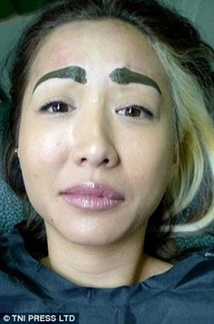 Do these people actually think they look good? As far as we can tell they are 28 of the most funniest eyebrow fails we have ever seen. Eyebrow Fails, Eyebrow Trends, Bad Makeup, Eyebrow Makeup, Makeup Fail, Worst Makeup, Eyebrow Game, Beauty Makeup, Bad Eyebrows Funny
