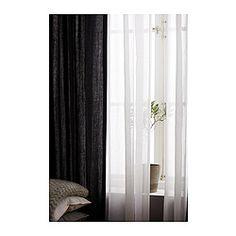 IKEA - RITVA, 2 Gardinen + Raffhalter, , Für Gardinenstange oder -schiene geeignet.Mit Gardinenband; lässt sich kombiniert mit RIKTIG Haken einfach in effektvolle Falten legen.Gardinen können direkt an den verdeckten Schlaufen oder mit Ringen und Haken an einer Gardinenstange aufgehängt werden.