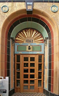 Entrance to the art deco Belle Shore Apartment Hotel at 1062 West Bryn Mawr Avenue in the Edgewater area of Chicago, Illinois.