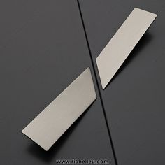 Contemporary Metal Pull - 2307 - 2307150140 - Richelieu Hardware
