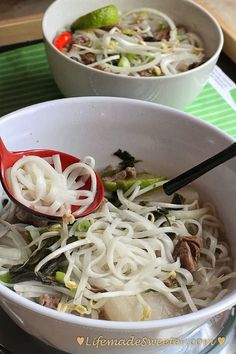 Vietnamese Pho – Beef Rice Noodle Soup (Pho Bo)