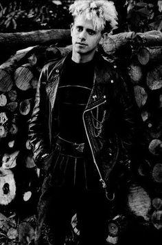 Fuck Yes Depeche Mode Martin Gore, Mr Martin, Great Bands, Cool Bands, Depeche Mode Violator, Alan Wilder, Johnny Marr, Music Genius, Dark Men