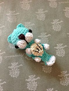 Sea Otter amigurumi is an easy project for all amigurumi's lovers. It's approximately 7cmx2cm, perfect as a keychain.