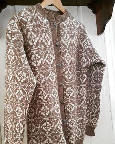 Krabi, Knitting, Instagram Posts, Sweaters, Fashion, Handarbeit, Breien, Moda, Tricot