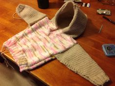 Almost done with Katie's hoody. I just have to put on the other sleeve and sew up the side and underside of the sleeve.