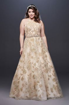 Looking for the top wedding dress designers? Browse David's Bridal elegant designer wedding dresses & gowns to select the perfect look for your big day! Plus Size Ball Dresses, Plus Size Gowns, Tea Length Dresses, Wedding Dresses Plus Size, Plus Size Wedding, Wedding Party Dresses, Gown Wedding, Trendy Wedding, Wedding Ideas