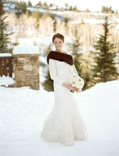 Winter wedding - I want a glamorous FAKE fur stole!