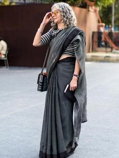 Street-style photographers in India feel there's a renewed focus on their art, but their journey is not devoid of challenges. Formal Saree, Casual Saree, Saris, Indian Dresses, Indian Outfits, Pakistani Outfits, Simple Sarees, Stylish Sarees, Trendy Sarees