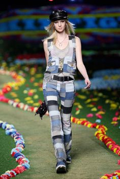 Tommy Hilfiger www.fashionaction... http://fashionaction-club.blogspot.com/  #hilfiger #tommyhilfiger #nyfashionweek #jeans #dresses #apparel #collection #editorial #fashion #girls #heels #jewelry #love #model #outfit #photo #pretty #shoes #shopping #fall #winter #styles #trends