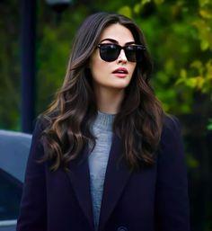 Turkish Fashion, Turkish Beauty, Cute Little Baby Girl, Esra Bilgic, Turkish Actors, Beautiful Celebrities, Casual Outfits, Actresses, Long Hair Styles