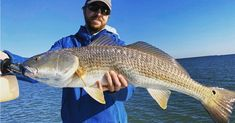 Luke with a big old redfish! Fishing Knots, Fishing Tips, Fishing World, Fishing Report, Fishing Techniques, Red Fish, Cheat Sheets, Slammed, Cheating