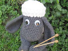 Ravelry: Shaun the Sheep pattern by The Nerdy Knitter