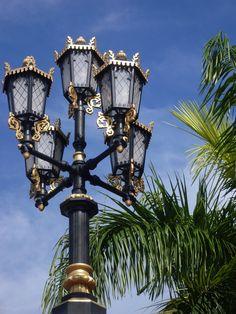 Lamp Post by Incalzando.deviantart.com