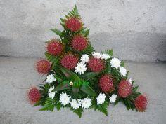 Arte Floral, Church Flower Arrangements, Floral Arrangements, Bouquet, Ikebana, Funeral, Floral Design, Wreaths, Nature