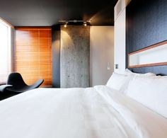 LEMAYMICHAUD | ALT | DIX30 | Architecture | Design | Hospitality | Hotel | Room | Bed |