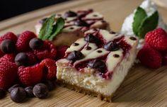 [Homemade] Raspberry Dark Chocolate Lemon Zest Cheesecake - Infused with Cannabis Oil! http://ift.tt/2jt5yFz