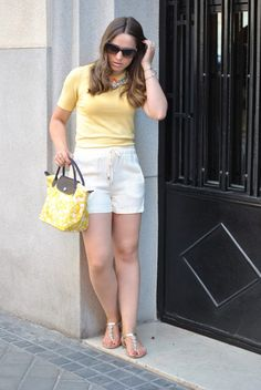 http://www.styleinmadrid.com/2015/07/all-in-yellow.html