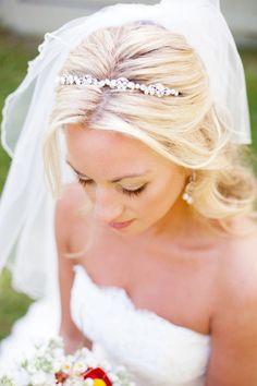 Glam bridal headband: http://www.stylemepretty.com/2012/01/04/minnesota-wedding-by-laura-ivanova-photography/   Photography: Laura Ivanova - http://www.lauraivanova.com/