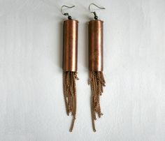 Mantle Earrings Extra long fringe earrings made from vintage copper chain and components. Add a carefree element to your look with these earrings that move to your motion. Copper Earrings, Fringe Earrings, Copper Jewelry, Shell Earrings, Chain Earrings, Handmade Jewelry, Unique Jewelry, Jewelry Ideas, Diy Jewelry