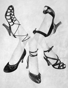 1949 strappy shoe styles from Harper's Bazaar. 1940s Fashion, Vintage Fashion, 1950s Shoes, Vintage Closet, Vintage Purses, Vintage Heels, Old Shoes, Strappy Shoes, Vintage Accessories