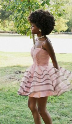 pink dress and gorgeous afro Curly Hair Styles, Natural Hair Styles, Pelo Natural, Natural Hair Inspiration, Natural Hair Journey, Afro Hairstyles, Big Hair, Beautiful Black Women, Black Girls