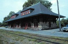 railroad stations - Google Search Old Train Station, Train Stations, Richardson Homes, Chicago School, Steel Frame Construction, Urban Sketching, Train Tracks, Cabins In The Woods, Architects