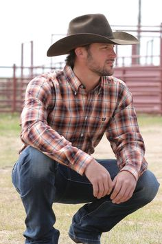 Cinch Men's Peach/Burgundy/White Plaid Print Long Sleeve Button Down Shirt - Fuller body - Longer tails and sleeves - Shirts stay tucked in - Allows for full range of motion - Cotton plain weave, l/s button down, double pockets, white buttons, necktape Cowboy Outfit For Men, Cowboy Outfits, Hot Country Men, Moda Country, Cowboys Men, Real Cowboys, Rugged Men, Western Shirts, Beautiful Men